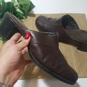 CLARKS Curtis brown Leather Mule Clogs womens